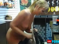 Changes in shop when customers. BEERkaaa sexchat.