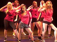 Karlijn Verhagen dancing