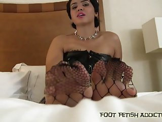 Stroke it for my perfect size 11 feet