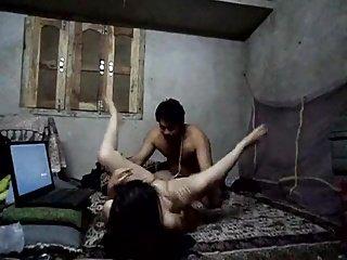 Desi girl fucked by her gf #ryu