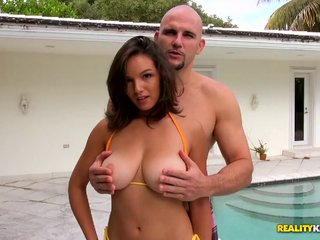 All natural big tit bitch takes a thick meaty dick up her cu