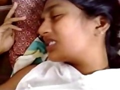 Sri Lankan Boy Fuck Her GF at Guest House